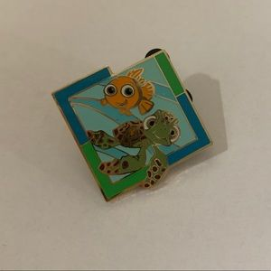 Disney Finding Nemo and Squirt Pin